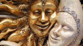 日常の習慣やクセが原因の「顔の歪み」、歪みやすい部位はココ!